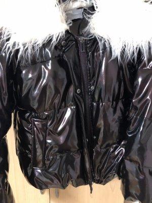 Schimmernde Jacke von Asos