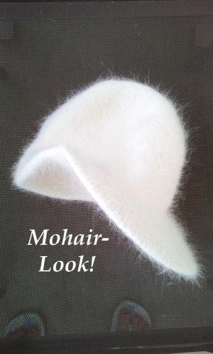 Schirmmütze / Wintermütze in Weiß, Plüsch / Mohair/Wolle/Tierhaar-Optik, NEU