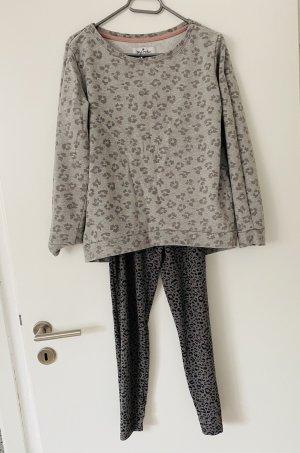 Schlafanzug Hausanzug