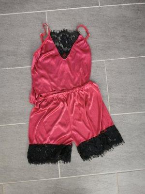 Pyjama noir-rouge foncé