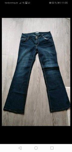 Jeans a zampa d'elefante blu