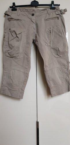 Schlammfarbende Caprihose mit vielen Taschen von Aeronautica Military
