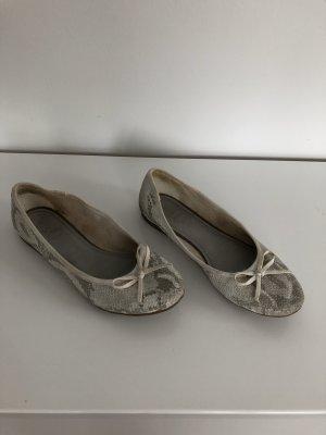 Schlangenballerina aus Leder in beige-grau, Gr. 38