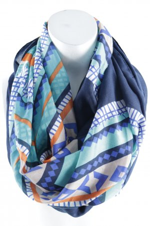 Tube Scarf color blocking casual look
