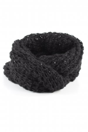 Tube Scarf black cable stitch casual look