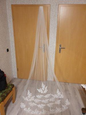 Veil white lace
