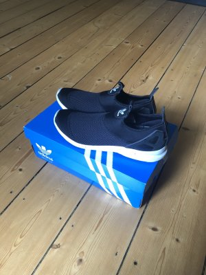 schlichte Adidas Originals Slip-On Sneakers ZX Flux