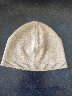 Schlichte Mütze grau aus 100% Lambswool