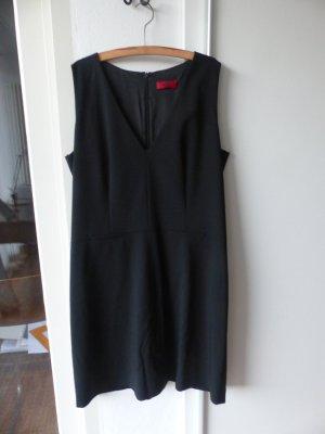 schlichtes, elegantes Kleid von Hugo Boss