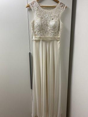 Schlichtes Hochzeitskleid