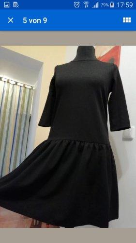 schlichtes Kleid von Esprit in Größe 38