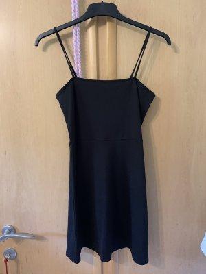Schlichtes kurzes Trägerkleid schwarz