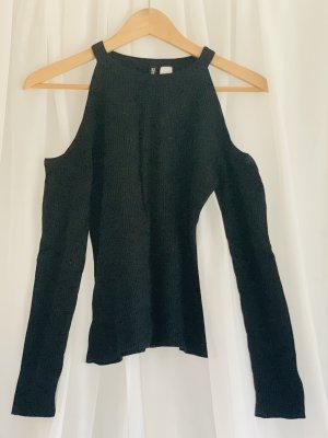 Schlichtes Langarmshirt aus warmen Stoff mit Cutouts