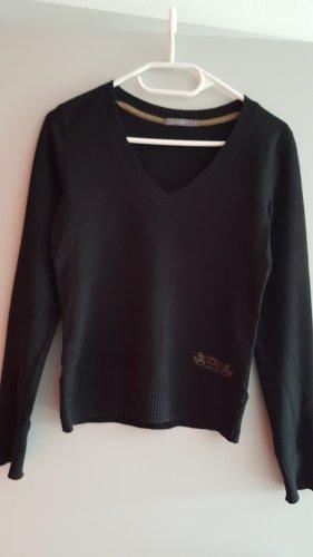 Schlichtes schwarzes Shirt