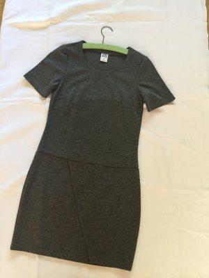 Schlichtes und doch elegantes Kleid