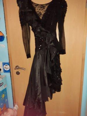 schlnes kleid in schwarz