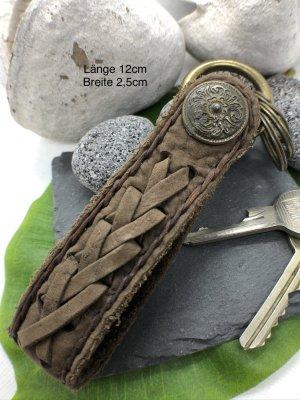 Schlüsselanhänger Leder braun Concho Karabinerhaken 12 cm Länge