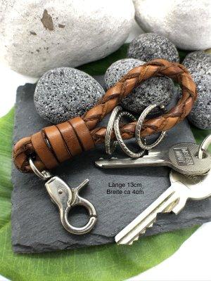 Schlüsselanhänger Leder cognacfarben geflochten Karabinerhaken 13 cm Länge