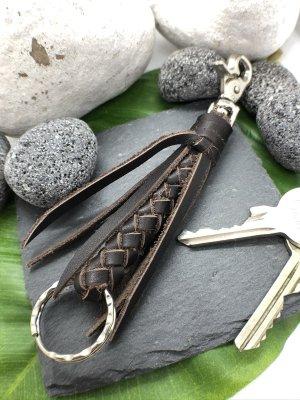 Schlüsselanhänger Leder dunkelbraun geflochten Karabinerhaken 14 cm Länge
