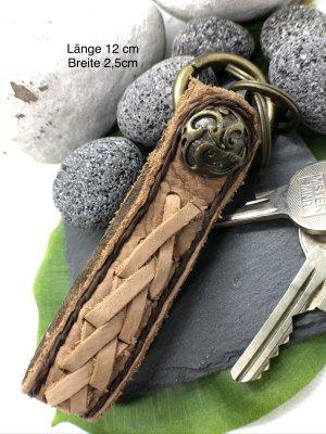 Schlüsselanhänger Leder hellbraun Concho Druckknopfverschluß Länge 12 cm