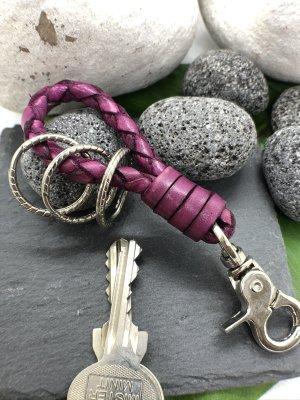 Schlüsselanhänger Leder purpurfarben geflochten Karabinerhaken 11 cm Länge