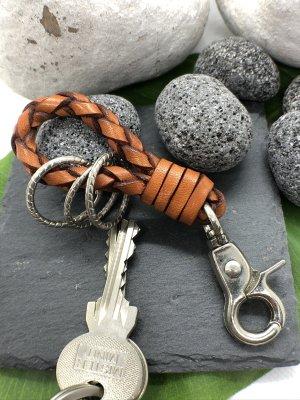Schlüsselanhänger Leder rostrot geflochten Karabinerhaken 11 cm Länge