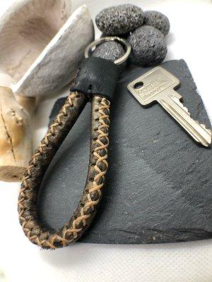 Schlüsselanhänger Leder Schlaufe goldbraun schwarz 10,5 cm