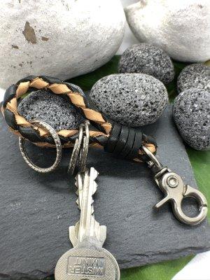 Schlüsselanhänger Leder schwarz naturfarben geflochten Karabinerhaken 11 cm Länge