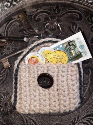 Schlüsselanhänger-Täschchen mit Platz für Kleinigkeiten