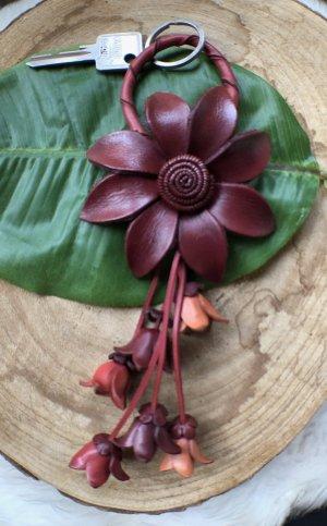 Schlüsselanhänger Taschenschmuck Leder Zackenblüte 10 cm kaminrot 22 cm