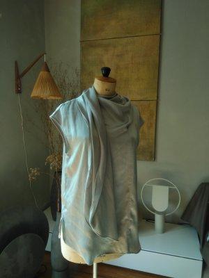Schluppenbluse, graublau, Gr. M, Schal, neu