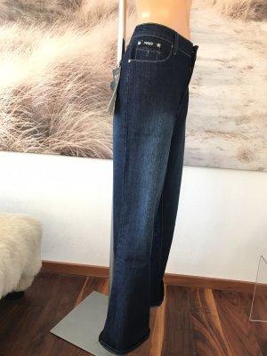 SCHLUSSVERKAUF!!! * Dunkelblaue Jeans mit Stickerei * 48/50 * Neu mit Etikett