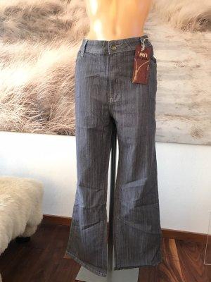 SCHLUSSVERKAUF!!! * Schöne graue Jeans mit Stickerei * 48/50 * Neu mit Etikett