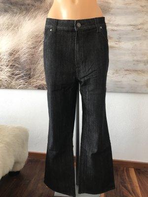 SCHLUSSVERKAUF!!! * Schöne schwarze Jeans mit Stickerei * 48/50 * Neu mit Etikett