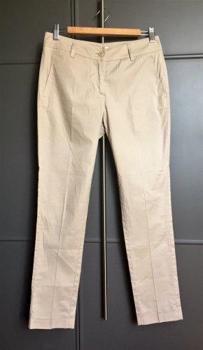 Schmal geschnittene/leicht gekürzte Hose von PAROSH. Gr. XS.