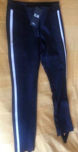 Schmale Hose  mit Gallonstreifen und Steg