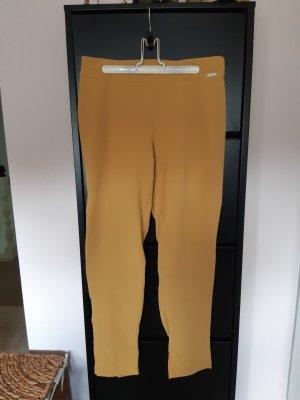 Schmale senffarbene Hose high waist von Ancora.