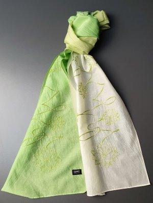 Schmaler Schal in maigrün und wollweiß