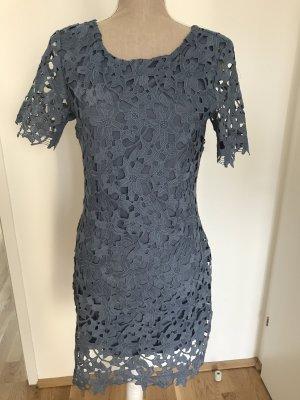 Schmeichelndes Kleid von mbyM Gr. M