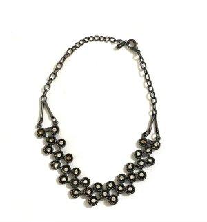 Vintage Collar negro-color plata