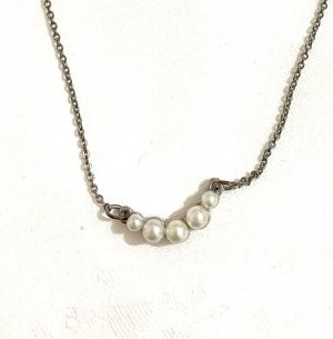 Vintage Pearl Necklace silver-colored-white