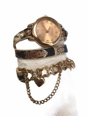Schmuck Uhr mit Fashion Armband umgetragen