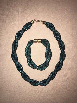 Collar estilo collier petróleo
