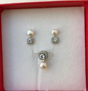 Kolczyk z perłą biały-srebrny