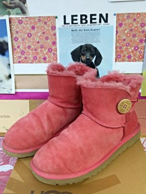 UGG Botas de nieve rosa-rojo claro Cuero