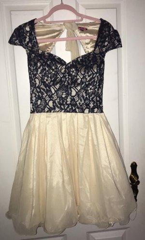 Schneewittchen Kleid offener Rücken