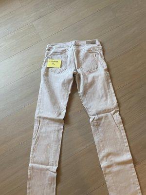 Schnittige Jeans in Cremefarbe