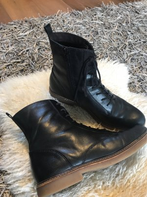 s.Oliver Lace-up Booties black