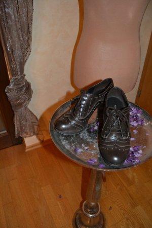 Graceland Tacones con cordones marrón oscuro