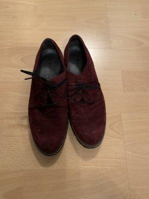 Tamaris Chaussures à lacets bordeau